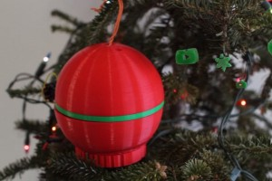 Уникальный 3D-принтер в виде елочной игрушки